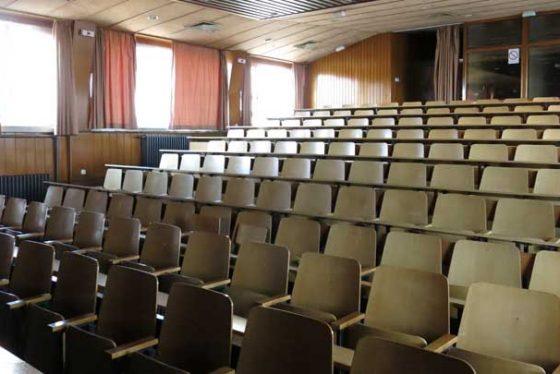amfiteatarstudentifakultet02122014.jpg