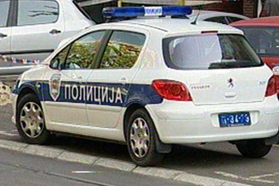 policijaautomup03122015.jpg