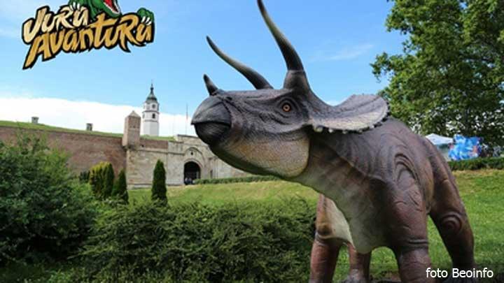 dinosaurus-tvrdjava