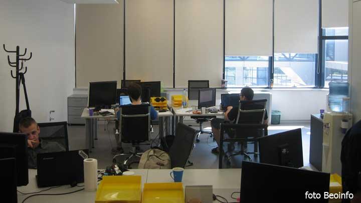 programeri-naucnici,-kompjuteri-kompanija