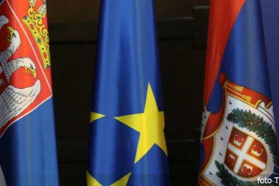 zastava-srbija-eu-vojvodina