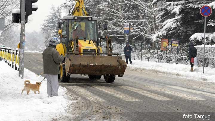 cistac-sneg-ulica