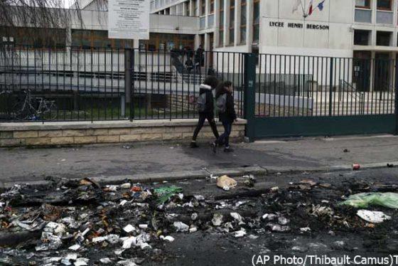 pariz-skole-protest