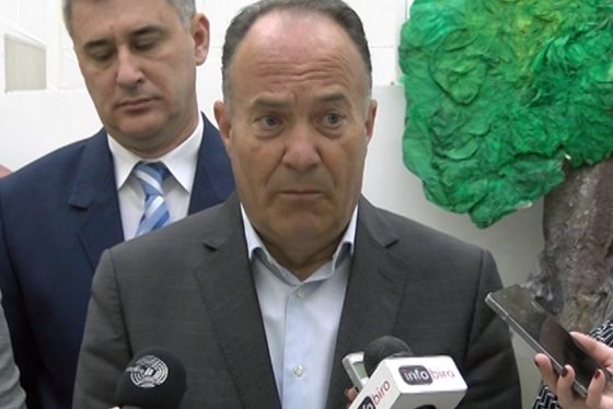 Mladen Sarcevic - ministar prosvete
