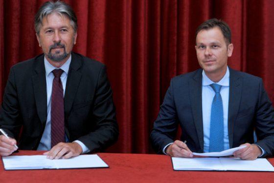 mali-ugovor-potpisivanje-tanjug