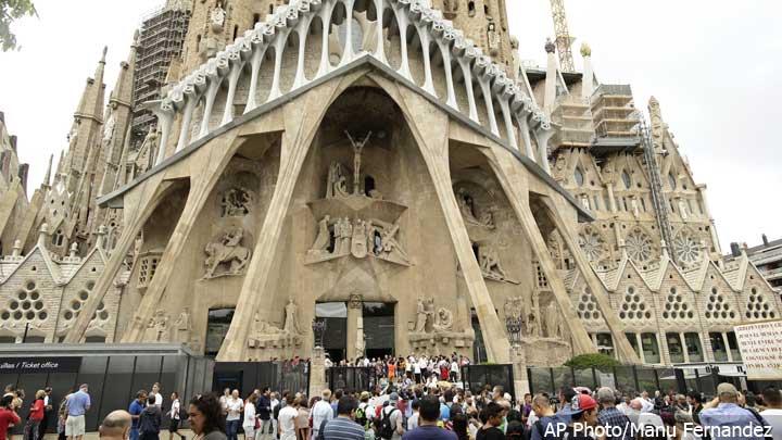 Sagrada-Familia-Basilica