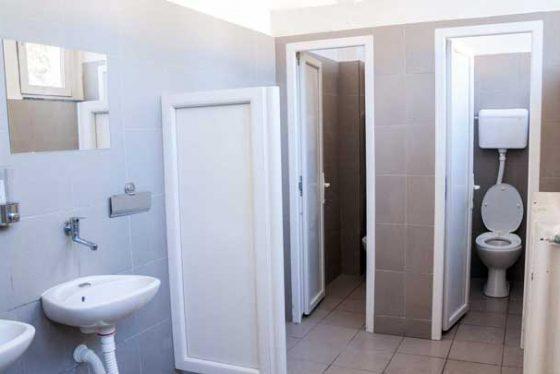 toaleti.jpg-skola-wc