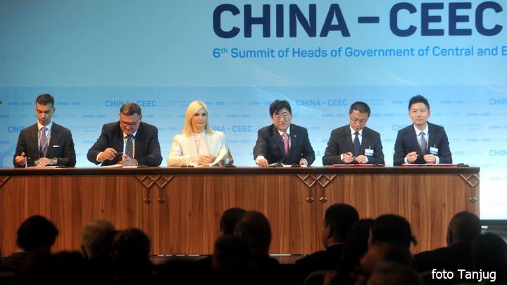 samit-ugovor-preljine-pozega-potpisivanje