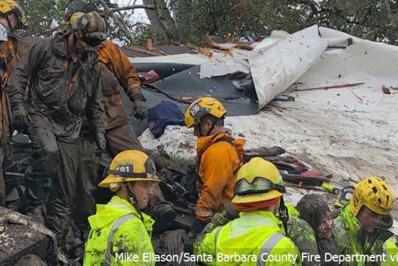 kalifornija-zimska-oluja-spasioci-vatrogasci-ap-photo