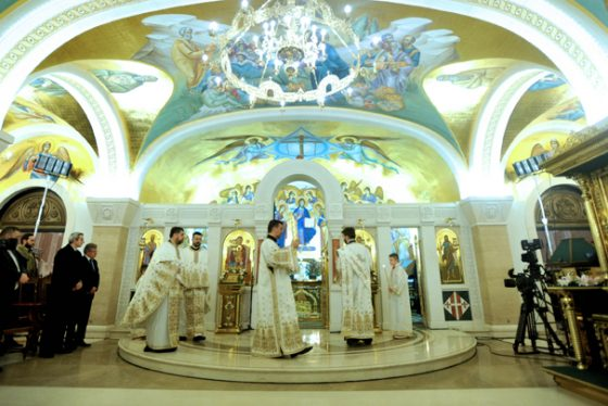 liturgija-bozic-hram-sv-save-tanjug