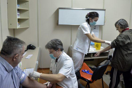 preventivni-pregledi,-vadjenje-krvi-tanjug