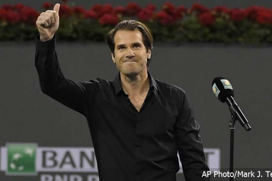Tommy Haas, of Germany, gestures to fans after announcing his retirement, following Roger Federer's quarterfinal match against Chung Hyeon at the BNP Paribas Open tennis tournament, Thursday, March 15, 2018, in Indian Wells, Calif. (AP Photo/Mark J. Terrill)