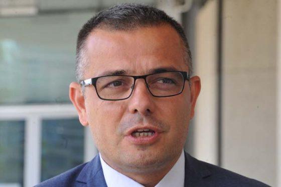 Ankara, 7. maja 2018. - Ministar poljoprivrede Branislav Nedimovic ocekuje da ce srpski stocari sredinom iduce godine u potpunosti iskoristiti kvotu za bescarinski izvoz govedjeg mesa u Tursku, kako bi mogli da razgovaramo o povecanju kvote. Nedimovic, koji je clan delegacije koju predvodi predsednik Srbije Aleksandar Vucic u Turskoj, ukazuje da je kvota od 5.000 tona za bescarinski izvoz govedjeg mesa u Tursku znacajna za srpsko stocarstvo. FOTO TANJUG/ DIMITRIJE GOLL/ bk