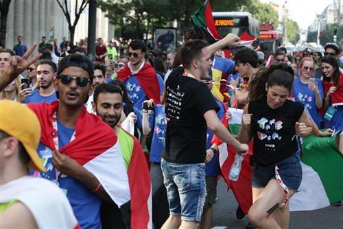 studenti defile zastava tanjug Slicica.ashx