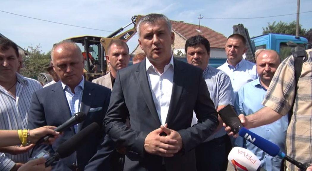 Zemun vodovodna mreza - izjava - Dejan Matic - predsednik GO Zemun thumbnail