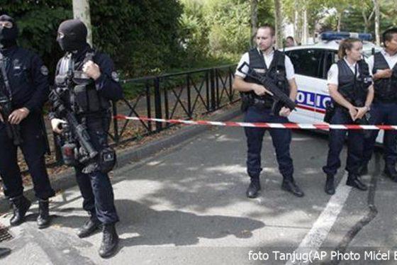 policija-pariz-francuska