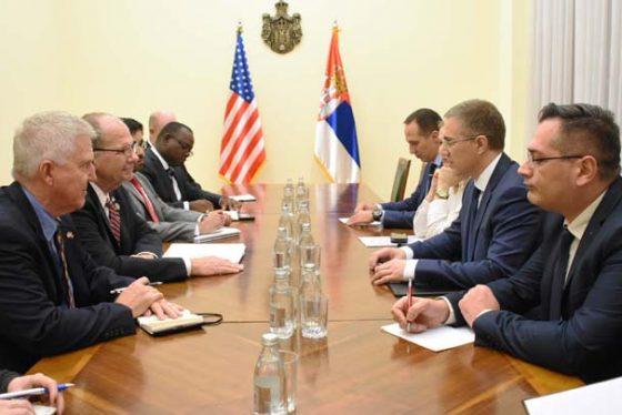 Beograd, 2. novembra 2018 - Ministar unutrasnjih poslova Nebojsa Stefanovic sastao se danas sa kongresmenom Tedom Poom, kopredsedavajucim Srpskog kokusa u Kongresu SAD. FOTO TANJUG / MUP REPUBLIKE SRBIJE / bb