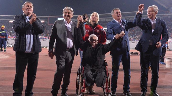 Beograd, 6. novembra 2018 - Deo generacije fudbalera Crvene zvezde iz 1973. godine, koji su tada eliminisali Liverpul u Kupu sampiona na utakmici cetvrtog kola Grupe C Lige sampiona izmedju Crvene zvezde i Liverpula. FOTO TANJUG / ZORAN ZESTIC / bb