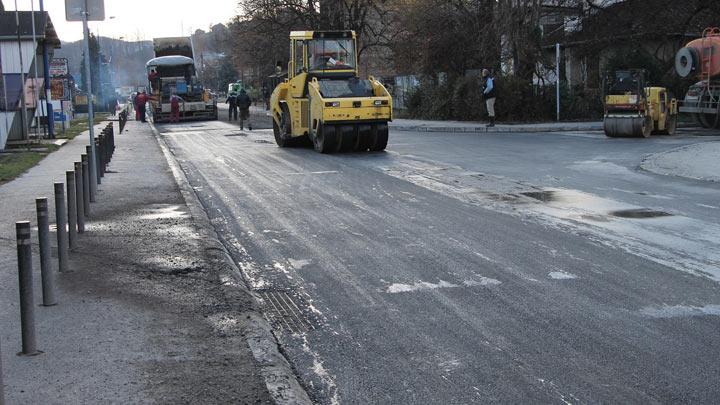asfaltiranje-g.milanovac-ulica-stb