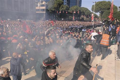 albanija protesti tanjug(AP Photo Hektor Pustina)