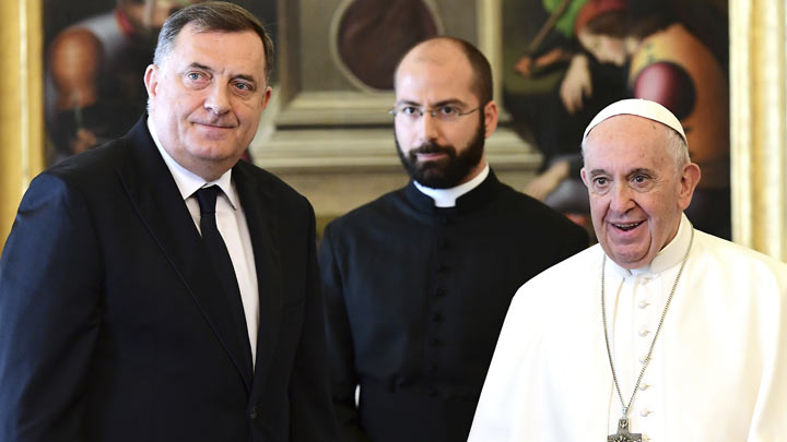 dodik-papa-Vincenzo-Pinto-Pool-Photo-via-AP