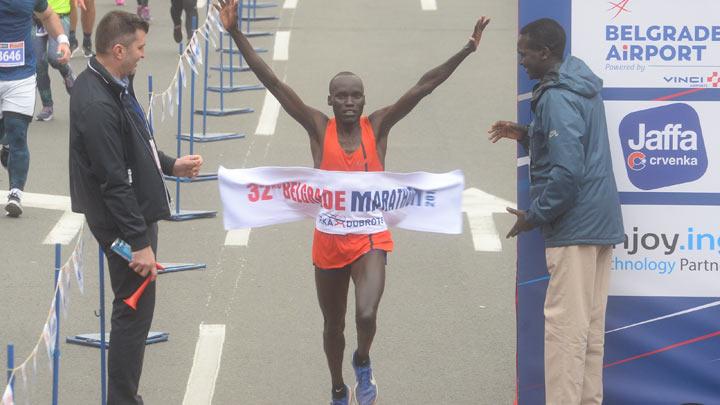 isak-kiprop-ruto-pobednik-maratona-tanjug